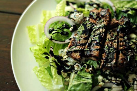 balsamic & blue steak salad