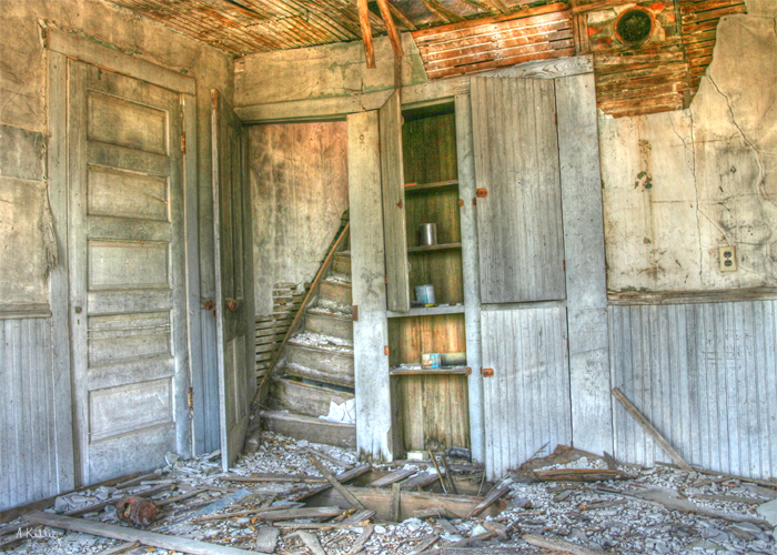 Abandoned Houses Near Me >> Abandoned Buildings Waiting to Be Explored – Her View From Home