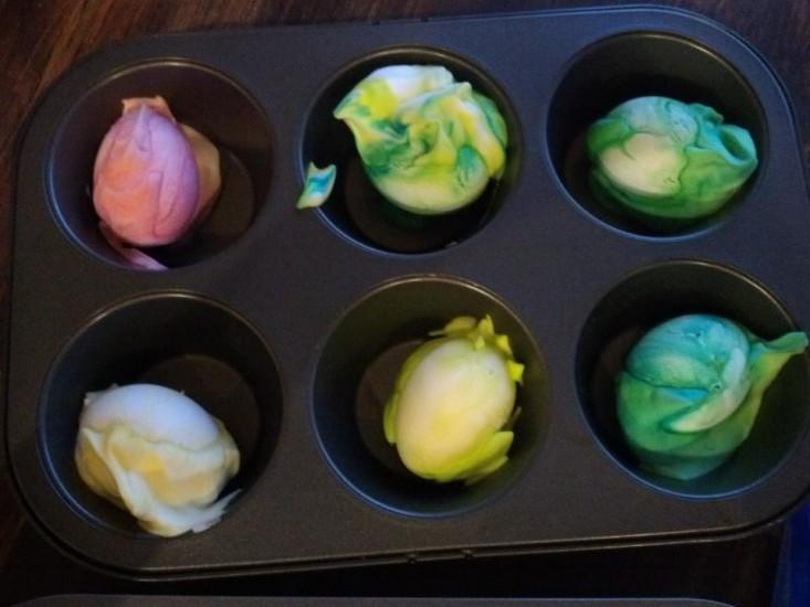 Shaving Cream Egg Dye   www.herviewfromhome.com