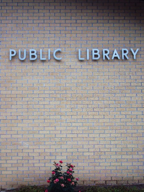 library sign2