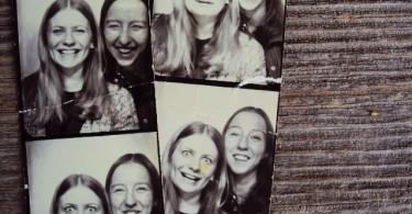 Beth-Mona-Photo-booth