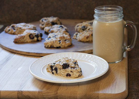 Blueberry Scone with Milk