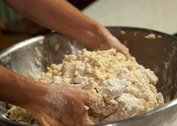 Easy Pie Crust + Mexican Chicken Pie   www.herviewfromhome.com