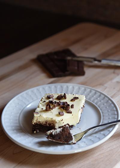 Brownie Cheesecake - Trim Healthy Mama www.herviewfromhome.com