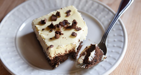 Brownie Cheesecake - Trim Healthy Mama www.herviewfromhome.com