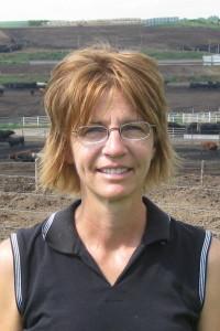 joan-at-feedyard (2)