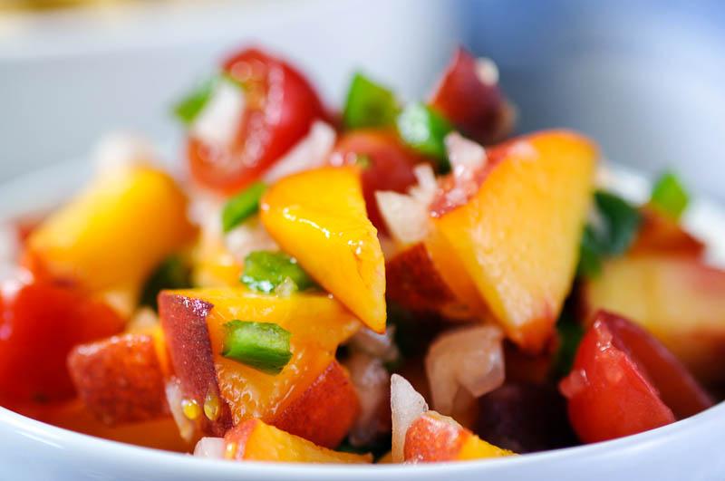 Chunky Peach Salsa   www.herviewfromhome.com
