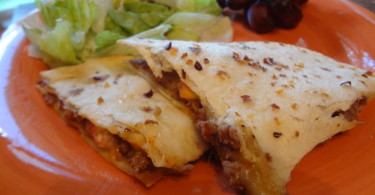 Cheeseburger Quesadilla - Harvest Meal On-The-Go www.herviewfromhome.com