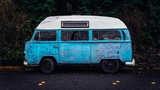 Mini Van Moms: Driven insane one mile at a time www.herviewfromhome.com