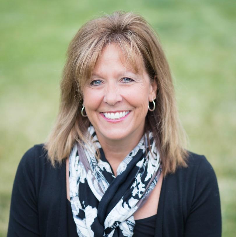 Meet Lori Wildenberg - Featured Writer of the Week www.herviewfromhome.com