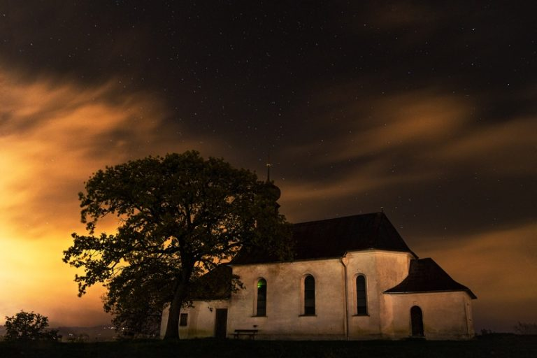 Pastor Appreciation Month: A Note to Pastors & Their Congregations www.herviewfromhome.com