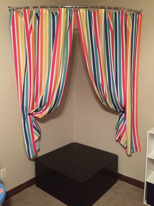 How To Make A Child's Stage (in under 5 steps!) www.herviewfromhome.com