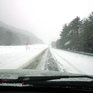 Tips for Winter Roadside Emergency Preparedness