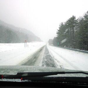 Tips for Winter Roadside Emergency Preparedness