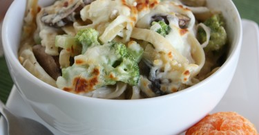 Turkey Fettuccine Skillet Meal (Great for Holiday Leftovers) www.herviewfromhome.com