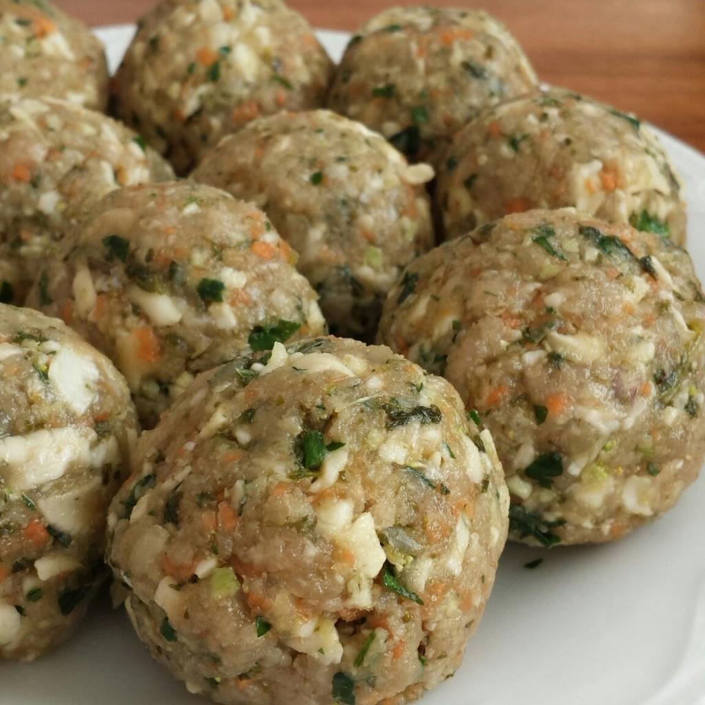 Kale Halloumi Meatballs   www.herviewfromhome.com
