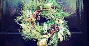20 Ways To Spread Christmas Joy www.herviewfromhome.com