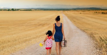 12 Fun Family Experiences To Do This Year www.herviewfromhome.com