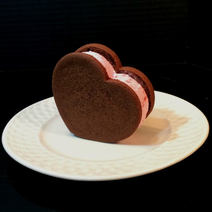 Valentine's Day Ice Cream Sammies   www.herviewfromhome.com
