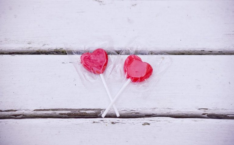 10 Valentine's Day gifts for a sleep deprived mom www.herviewfromhome.com