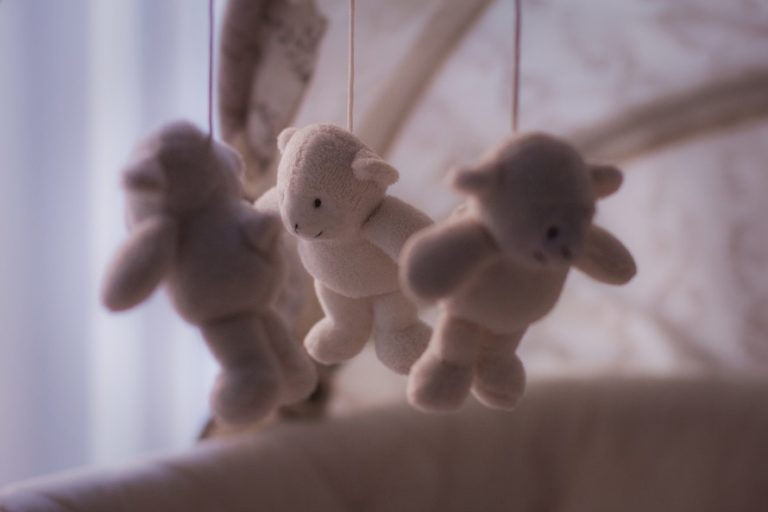 Secondary Infertility - Living With The Heartache of Loss www.herviewfromhome.com