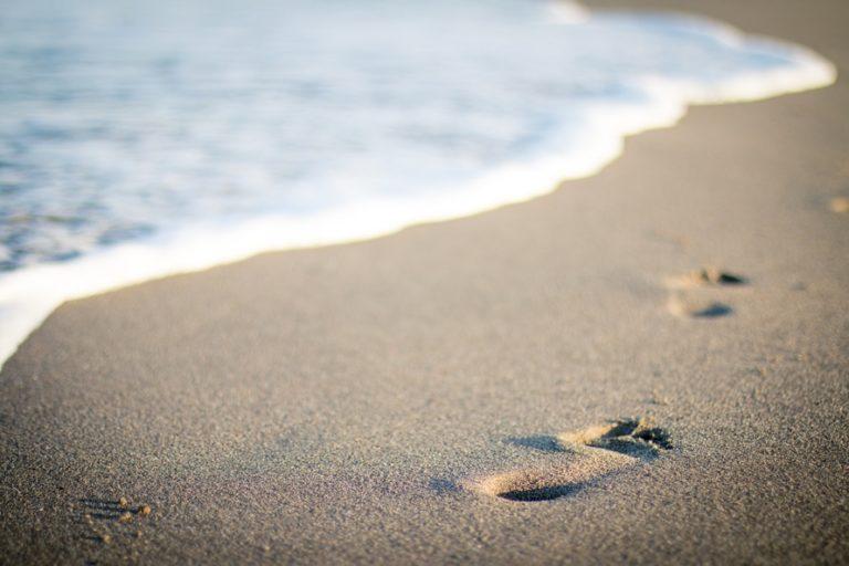 Stumbling Over God's Feet www.herviewfromhome.com