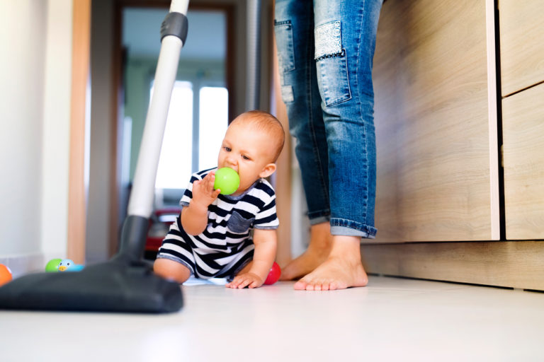 mom cleaning house www.herviewfromhome.com