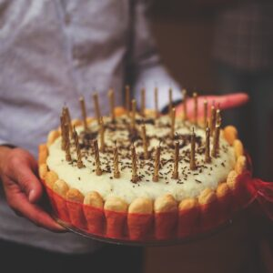 To The Mad Mom Who Drop-Kicked That Birthday Cake – We All Have Bad Days