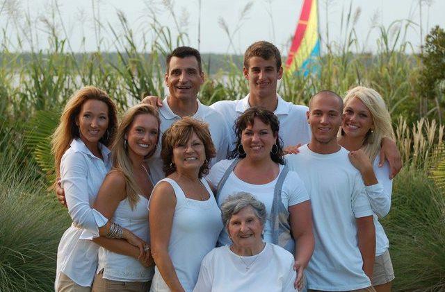 A Plane Crash Killed My Parents - My Faith Keeps Me Alive www.herviewfromhome.com
