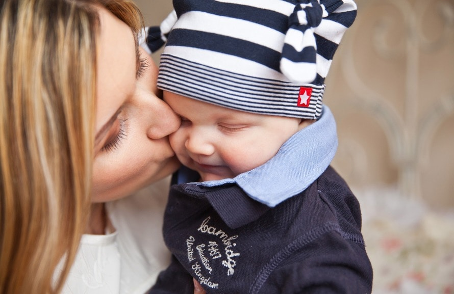 Embracing Motherhood with Baby #4 www.herviewfromhome.com