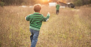A Mama's Promise to Worn-Out Parents of Little Ones www.herviewfromhome.com