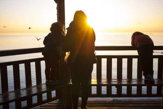 Parenting Young Kids: This Isn't the Time of My Life www.herviewfromhome.com