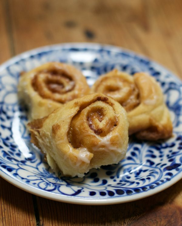 Easy Cinnamon Rolls to Make with Your Kids www.herviewfromhome.com