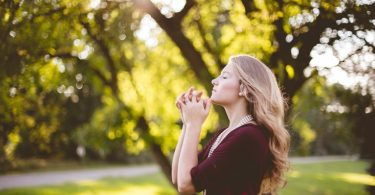 Evangelism and Motherhood: Serving Where We're Called www.herviewfromhome.com