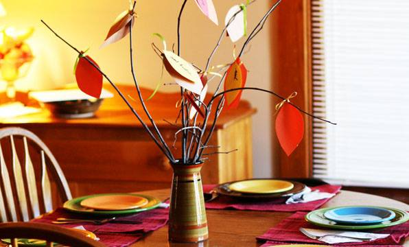 Make a Gratitude Tree (Pinterest Worthy, Busy Mom Easy) www.herviewfromhome.com