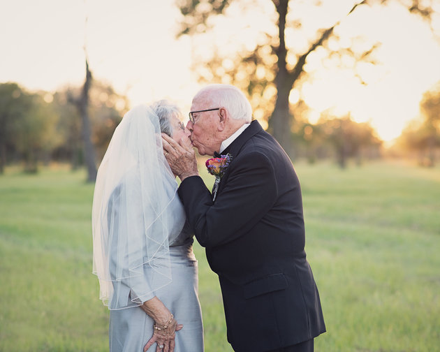 Sweet Couple Celebrates their 70th Wedding Anniversary Taking the Wedding Pictures They Never Had www.herviewfromhome.com