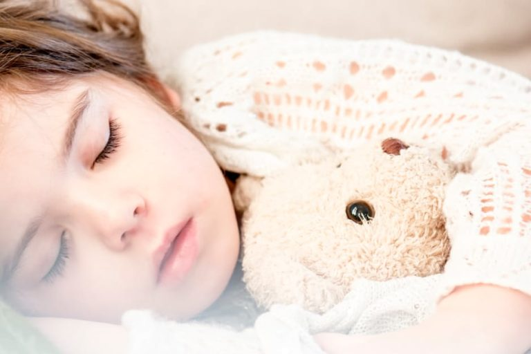 6 Tips for Helping Children Sleep Well During the Holidays www.herviewfromhome.com