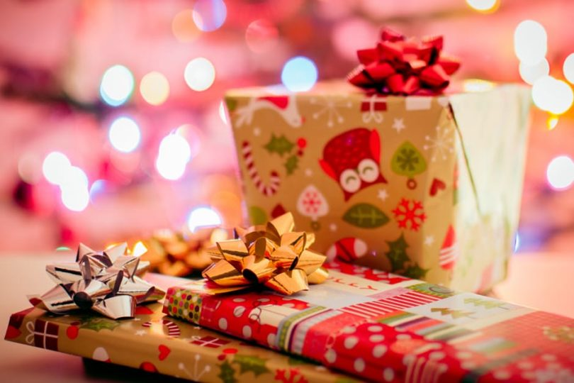 The Minimalist Mommy- Here's What Your Kids Need And Want This Holiday Season www.herviewfromhome.com
