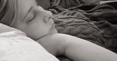 Husband Writes Beautiful Tribute To His Wife After Learning Their Baby Won't Survive www.herviewfromhome.com