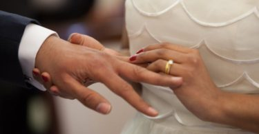5 Ways To Take God's Lead In Your Marriage www.herviewfromhome.com