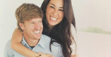 We Need Chip Gaines' Perspective Now More Than Ever www.herviewfromhome.com