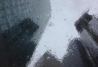 5 Ways To Combat The Grey Day Blahs www.herviewfromhome.com
