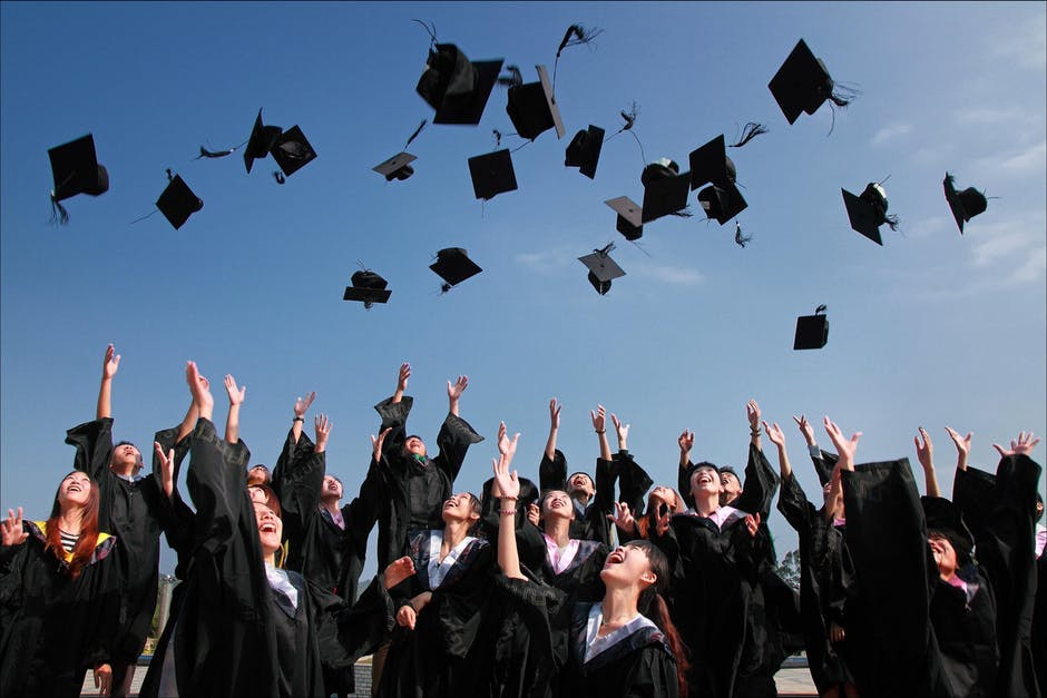 10 Graduation Gifts That Will Get You a Real Thank You www.herviewfromhome.com