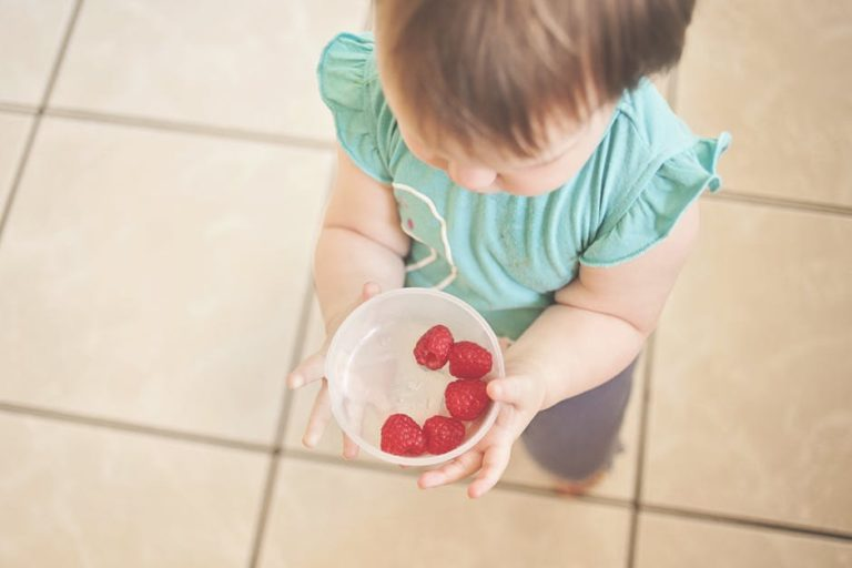 """On Food Allergies and Becoming """"That Mom"""" www.herviewfromhome.com"""