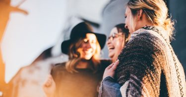 4 Un-Lame Ways to Make More Mom Friends www.herviewfromhome.com