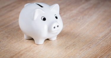 What You Need To Know About Giving Kids An Allowance www.herviewfromhome.com