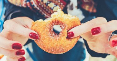 To the Skinny Mom Buying Donuts www.herviewfromhome.com