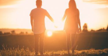 Don't Throw it Away-- 5 Tips for a Lasting Marriage www.herviewfromhome.com