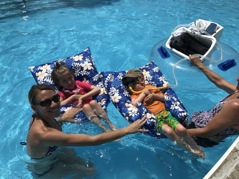 To The Mom At The Pool - You Amaze Me www.herviewfromhome.com