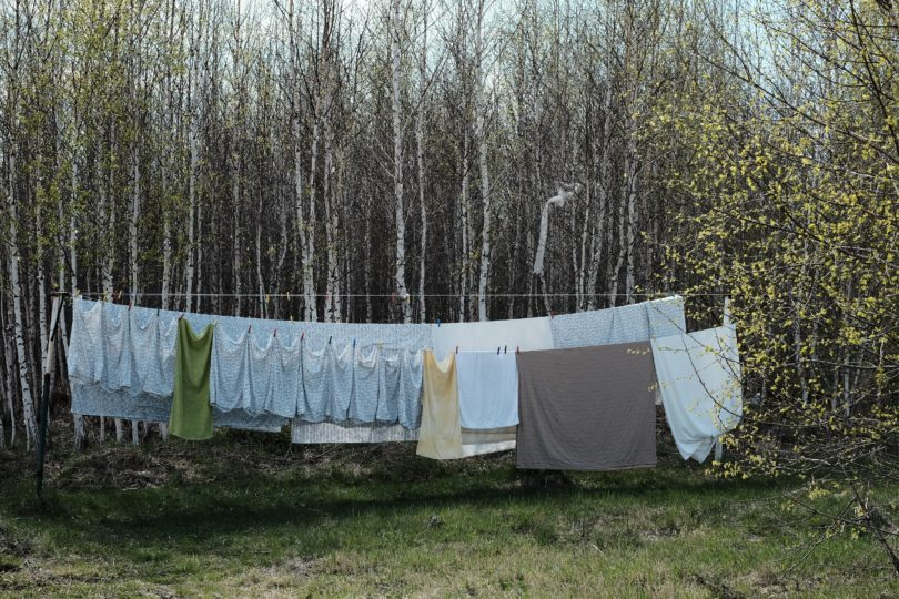 5 Ways to Praise Jesus While Doing Laundry www.herviewfromhome.com